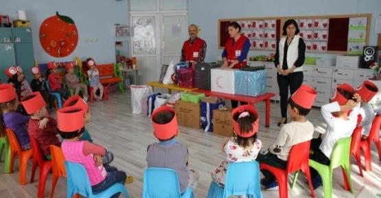 Kızılay'dan  Çocuklara Ziyaret