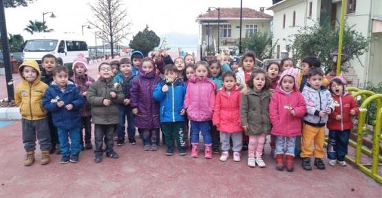 Minikler Cami Ziyaretinde