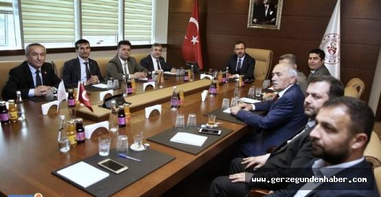 Projeleri Ankara'da Masaya Yatırdı.