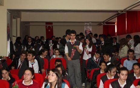 Bir Kutlamada Şehit Nurullah Saraç Anadolu Lisesinden