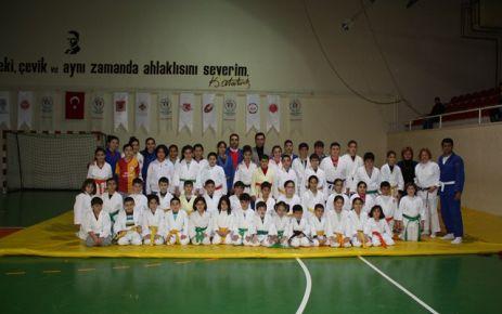 Çelik Judocuları Ziyaret Etti