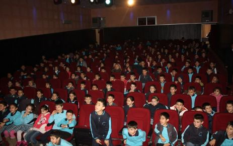 'Haydi Çocuklar Tiyatroya '