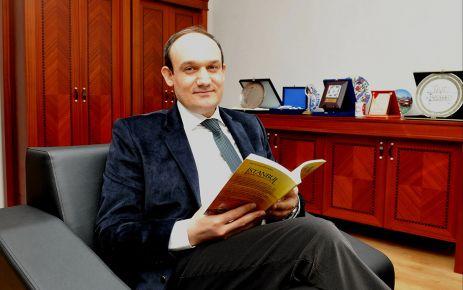 """İSTANBUL UZMANINDAN '2053 VİZYONU"""" KİTABI"""