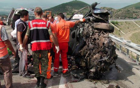 Kazada yedi ölü.
