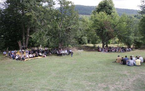 Kızılcalı Köyünde Değişik Bir Kutlama,