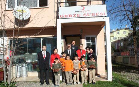 Öğrencilerden Türk Kızılay'ını Ziyaret.