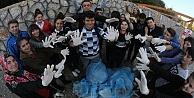 Beyaz Eller, Mavi Poşetler!
