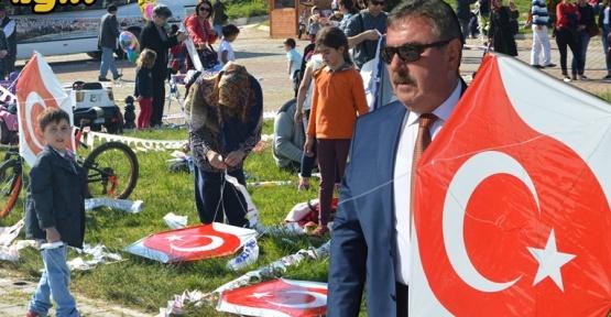 Gerze Semalarında Türk Bayrağı Dalgalandırdılar