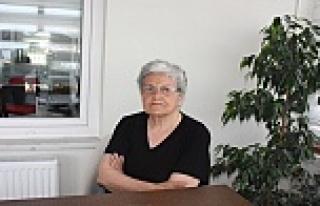 Emekli Öğretmen Münevver Arslan